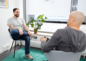 Private Beratungssitzung zwischen zwei Personen